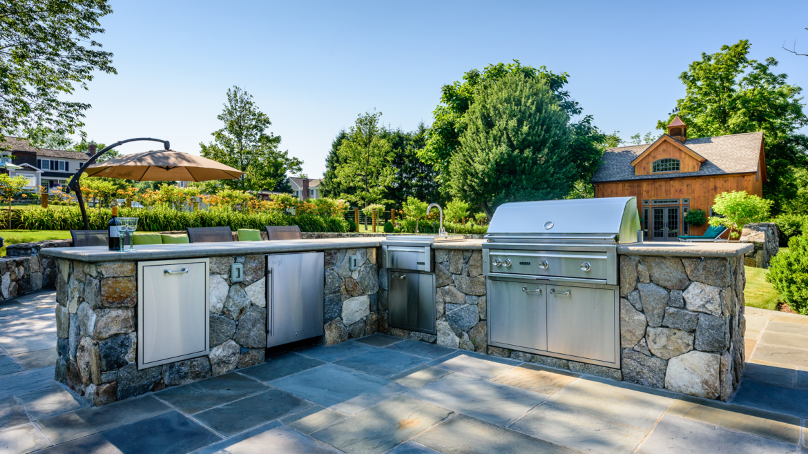 Why You Should Invest in an Outdoor Kitchen   Gerety ...