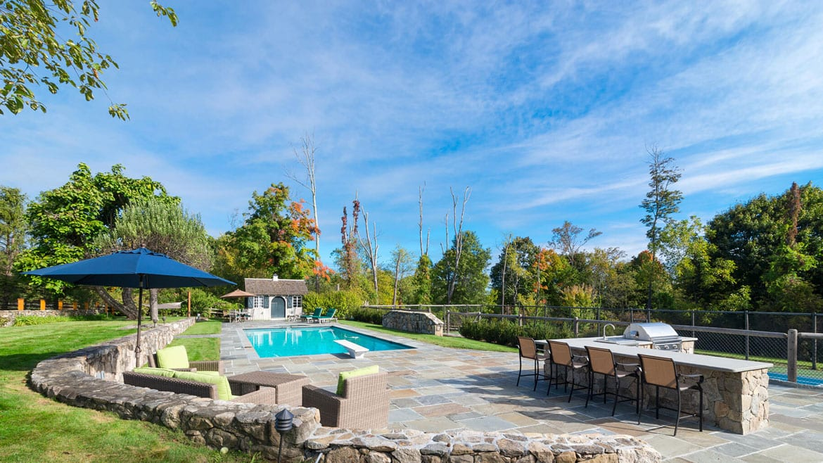 Pool-with-Bluestone-Patio-Bluestone-Countertop-Katonah-NY
